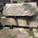 彫刻用の石の枕木
